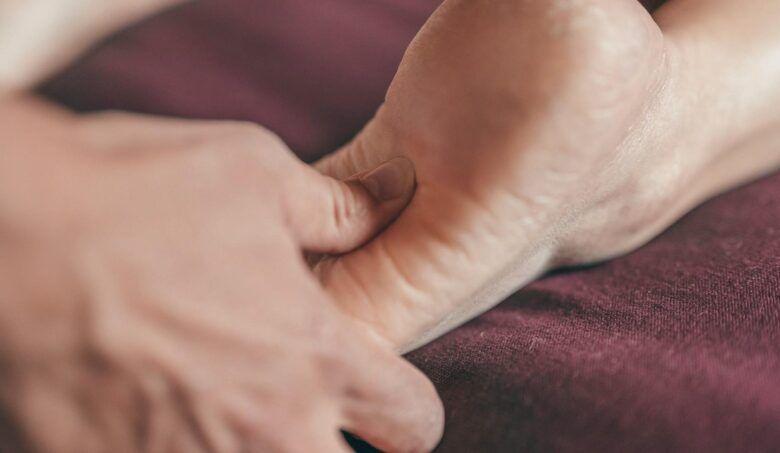 Bolesť päty: Čo všetko môže signalizovať?