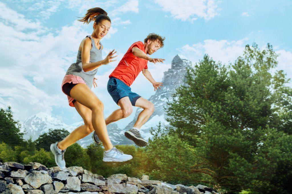 Cemio Kamzík - manželia bežia po skalách