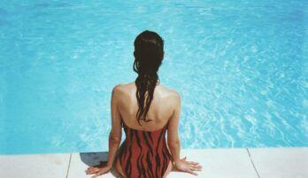 Kúpanie a mokré plavky sú najväčší nepriatelia pre močové cesty