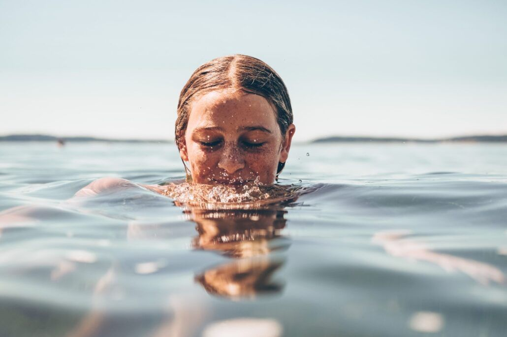 Močové cesty - žena vo vode
