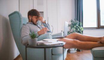 Online únava je reálny problém. Psychologička radí, ako s ňou bojovať.