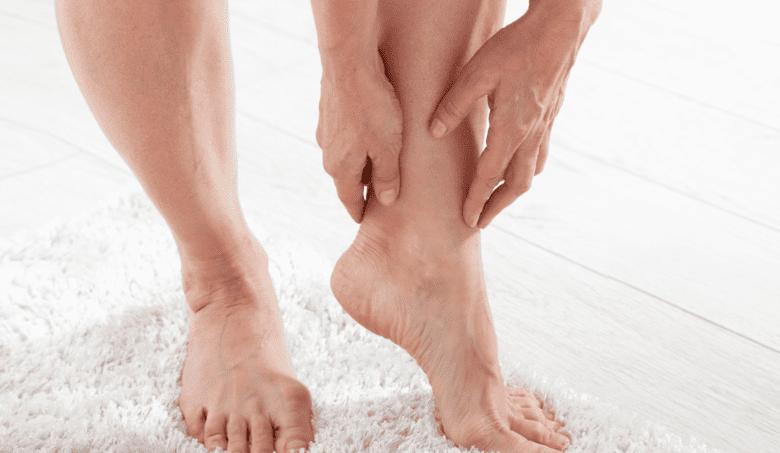 Máte opuchnuté nohy? Toto môže byť príčinou