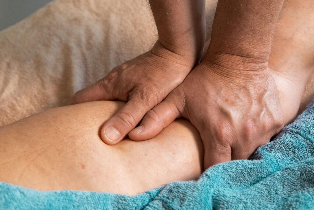 Opuchnuté nohy - masáž nohy